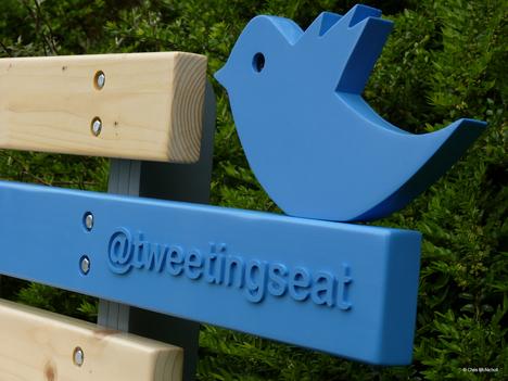 Fabulous Tweetingseat The First Park Bench On Twitter Core77 Inzonedesignstudio Interior Chair Design Inzonedesignstudiocom