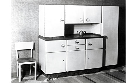 A Brief History Of Kitchen Design Part 6 Poggenpohl Transforms The Kitchen From Workshop Like To Hospital Like Core77