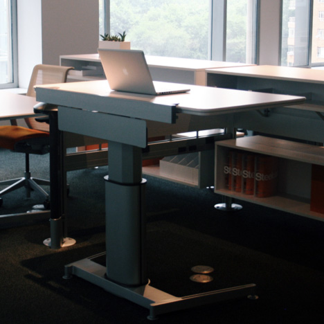 Standing Desk Shootout Steelcase Airtouch Height Adjule Table