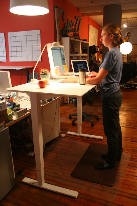 Standing Desk Shootout: Humanscale Float Table   Core77