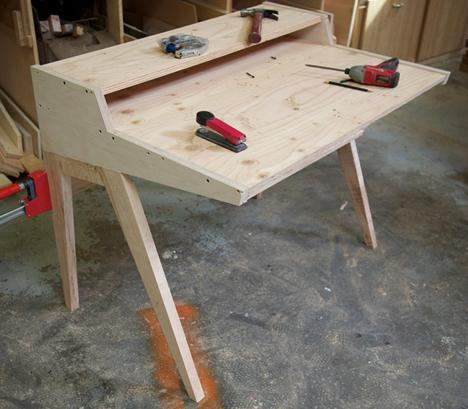 Phloem Design\u0027s Laura Desk & Phloem Design\u0027s Laura Desk - Core77