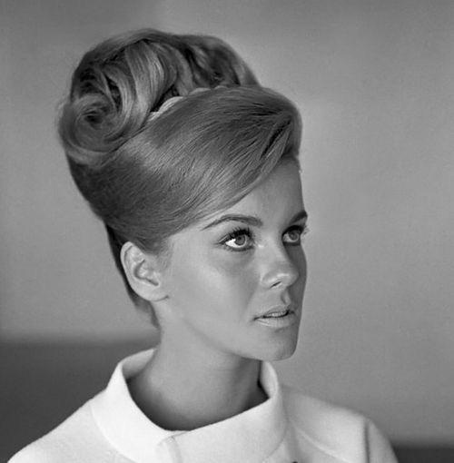 Beehive Hairstyles For Wedding: RIP Margaret Vinci Heldt: Designer Of The Beehive Hairdo