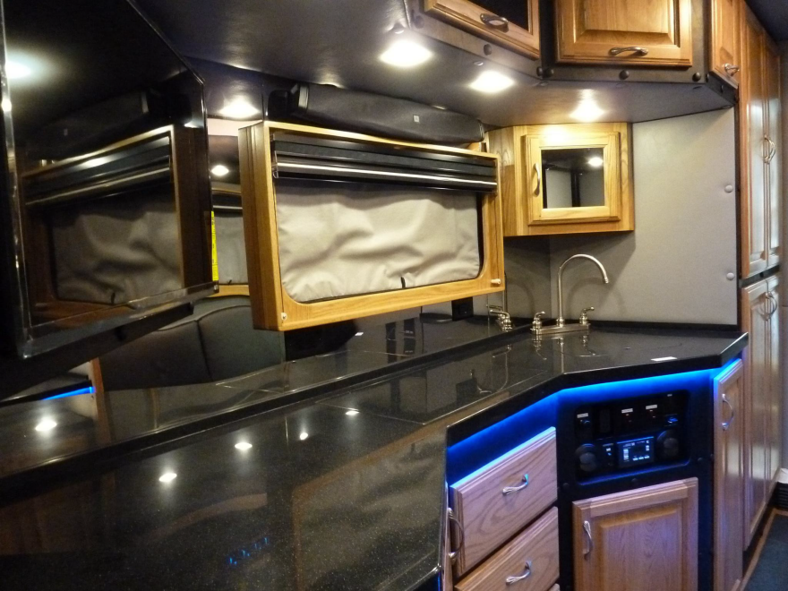 what do luxury sleeper cabs for long haul truck drivers look like core77. Black Bedroom Furniture Sets. Home Design Ideas