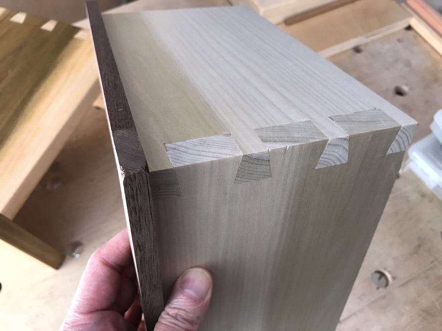 How I Learned To Cut Dovetails By Hand Nbsp Core77