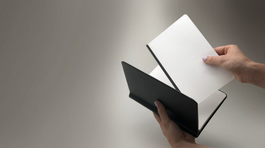 Rekonect s Clever Magnetic Sketchbook Has Easily Detachable/Refillable Pages