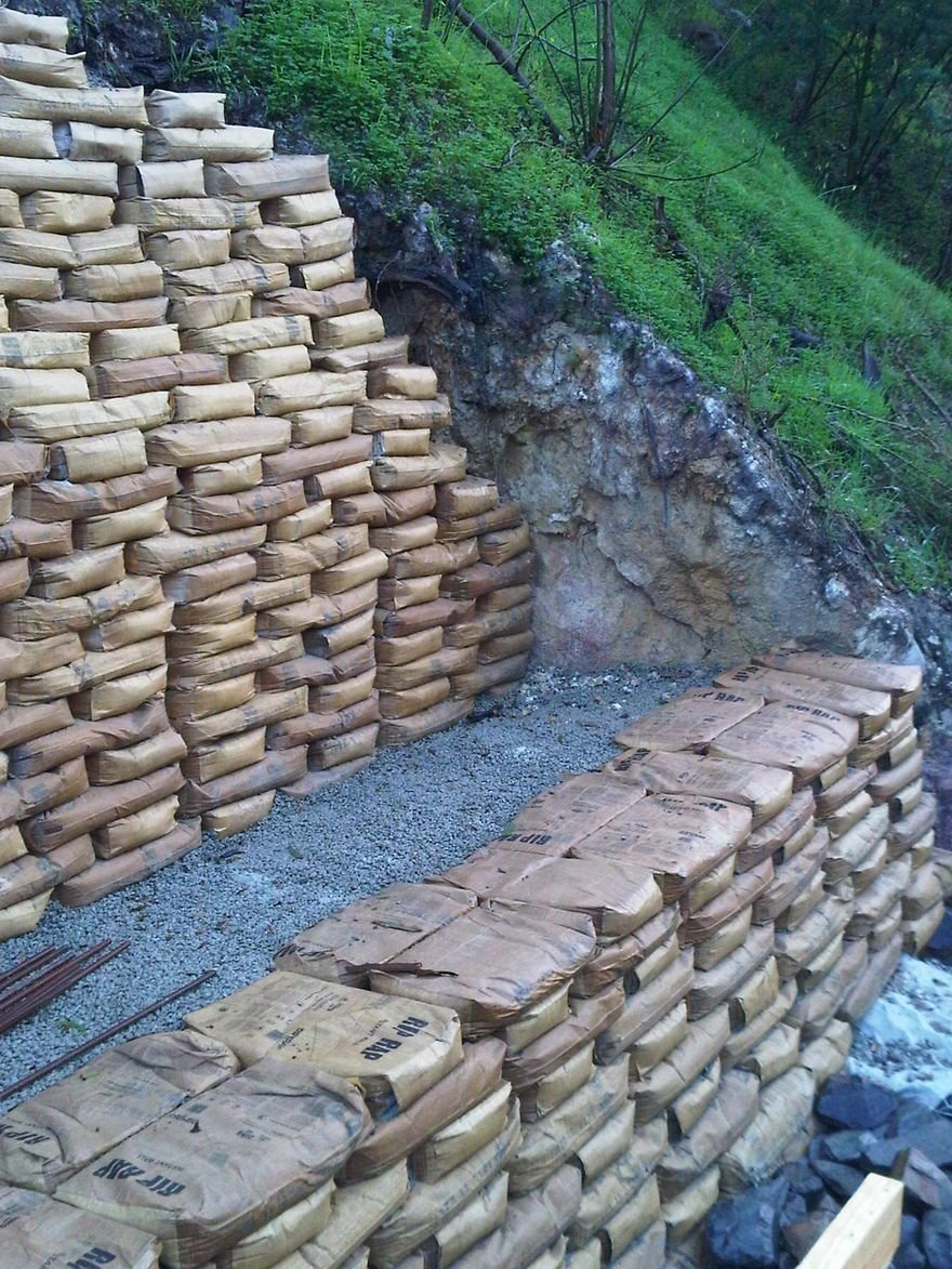 An Easy Way To Build Retaining Walls Leave The Concrete In The