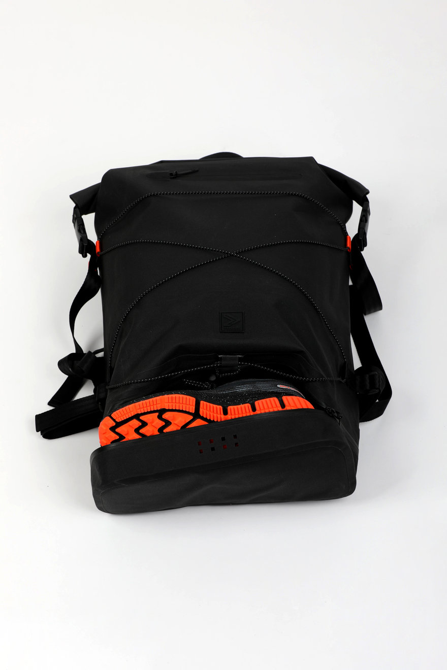 0ac95e1184 IAMRUNBOX's Spin Bag is a Stylish and Functional Backpack Option for ...