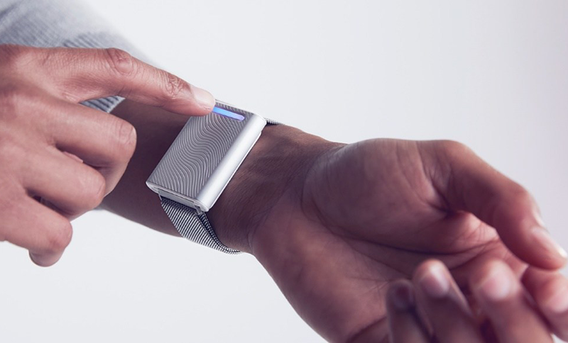 Embr Wave Helps Your Body Temperature Stay Regulated Both Indoors and Outdoors
