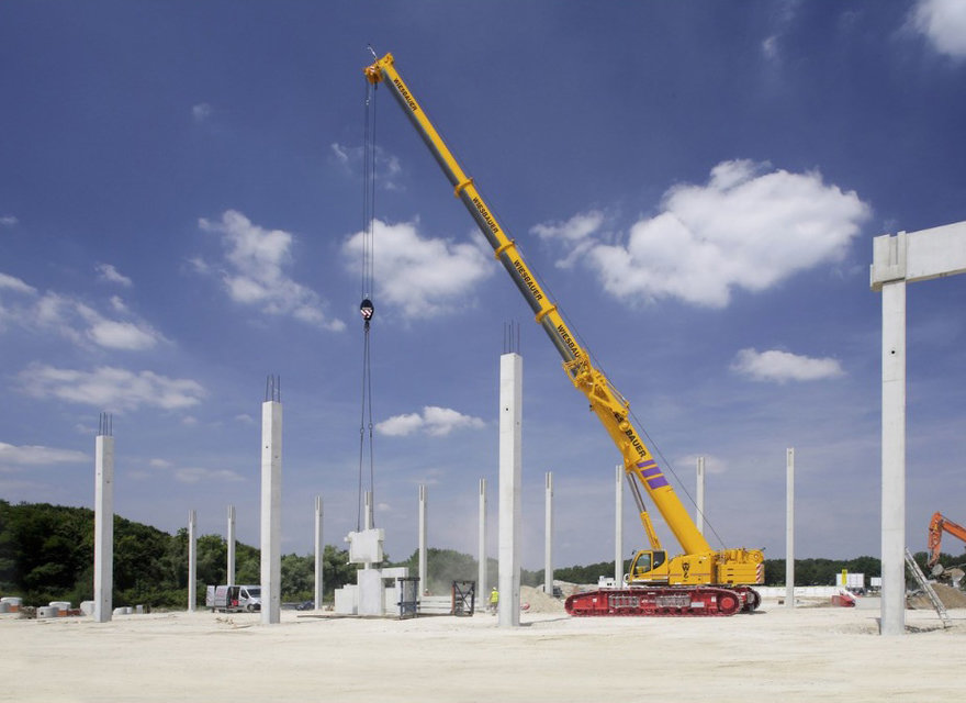 Watch This Enormous Mobile Crane  Self-Assemble