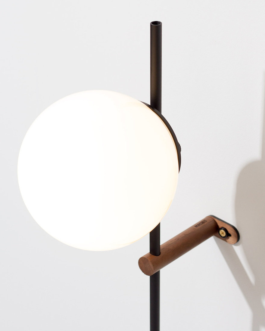 Lynea a streamlined plug in lamp that eliminates clutter core77 lynea was created to function as hardwired lighting without the hard wiring we designed lynea to look seamless to save space and add an architectural greentooth Gallery