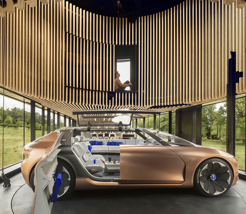 Renault Concept Car: Designing The Interior Of A Transforming Autonomous