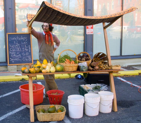Portable Wooden Stand Brings Integrity To Farmer Markets