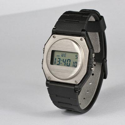 Industrial Designer Reworks Casio F-91W Watch to Return It to Innocence  - Core77