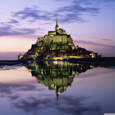 Magnificent Fortress in Normandy Transforms Into an Island Every 18 Years