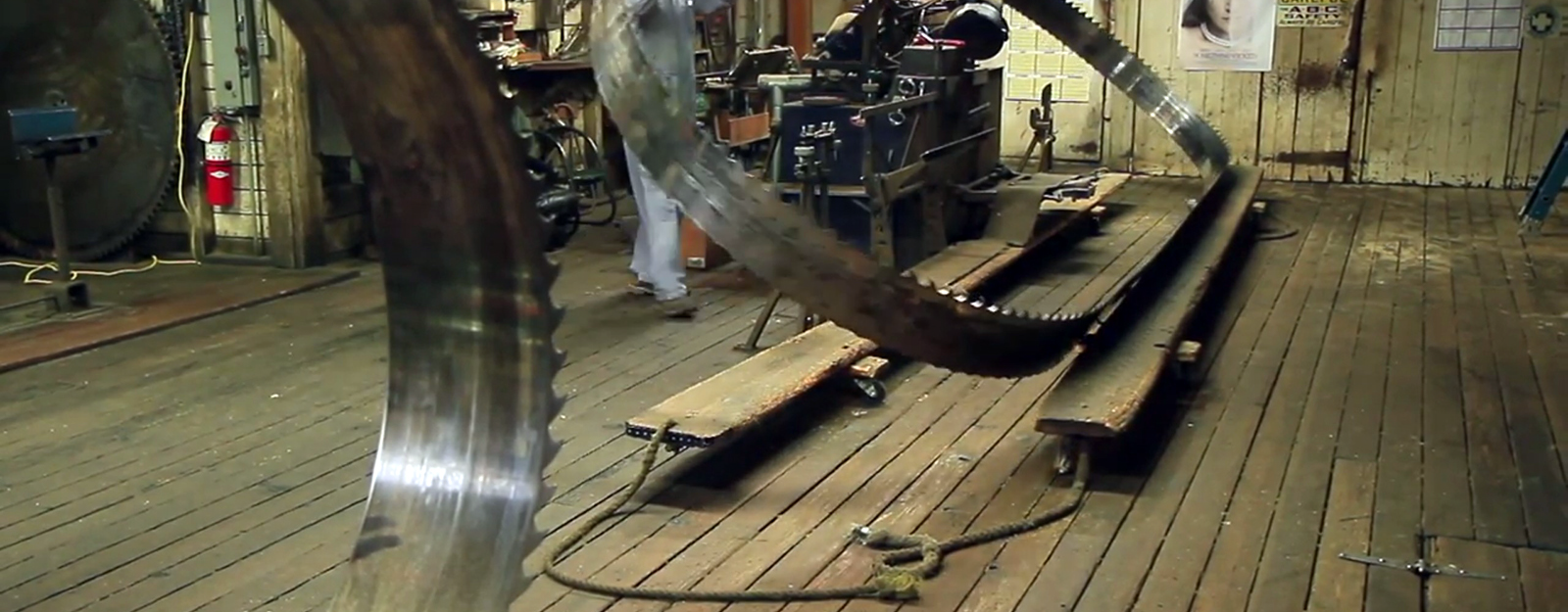 Here's How to Sharpen a Gigantic 50-Foot Bandsaw Blade - Core77