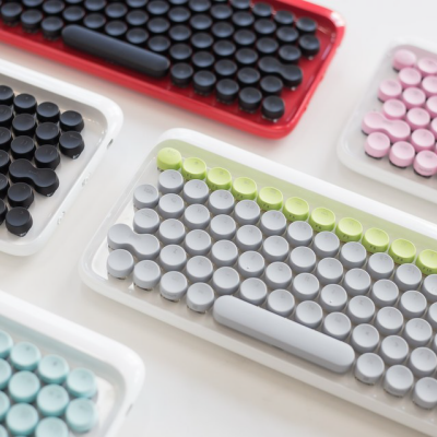A Sexy Tablet Keyboard Based On Typewriters