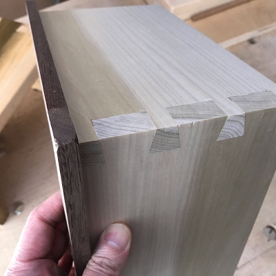 How I Learned to Cut Dovetails By Hand