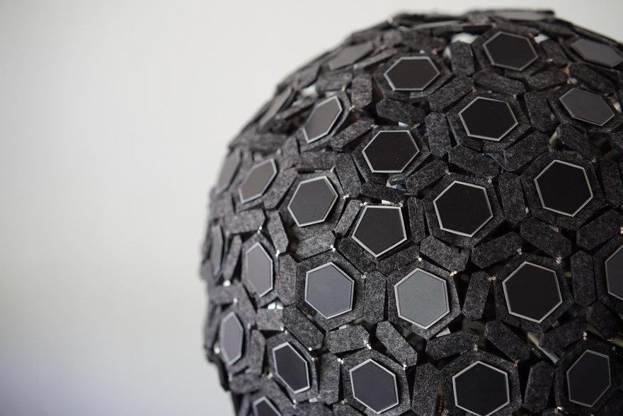 MORPH - Exploring the boundary between Art and Robotics